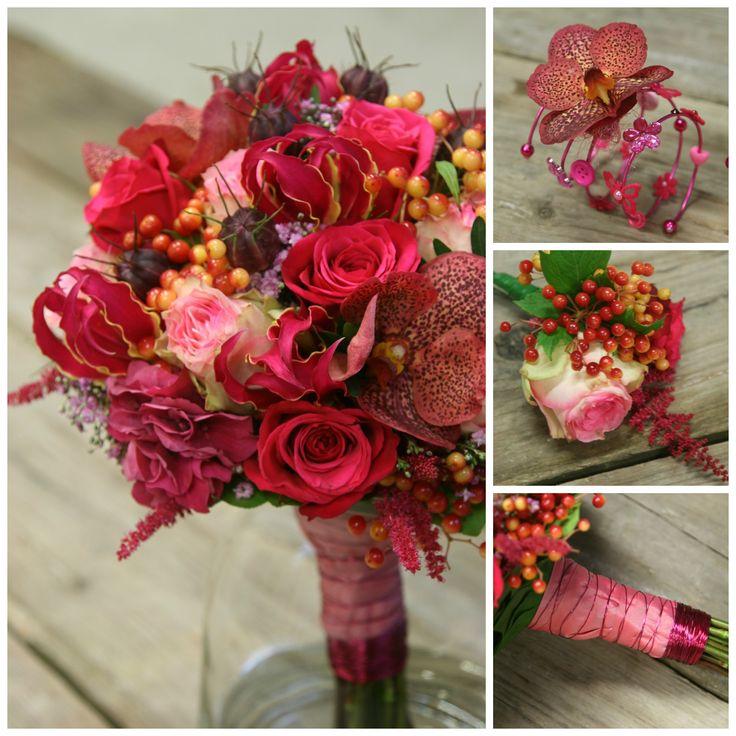 Bruidsboeket met esperance roos, gloriosa, orchidee. Leuke bloemenarmband voor de kinderen en diverse aankleding.