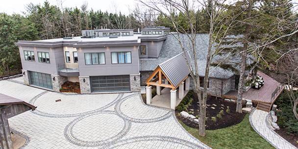Gorgeous house of Bryan Baeumler & family