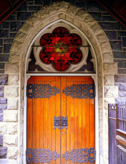 (by jikido-san) Door of a Presbyterian church in PortlandI love stained glass windows.