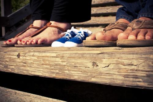 maternity photo + little feet