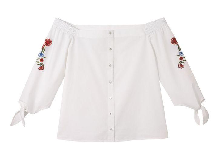Une blouse à épaules dénudées