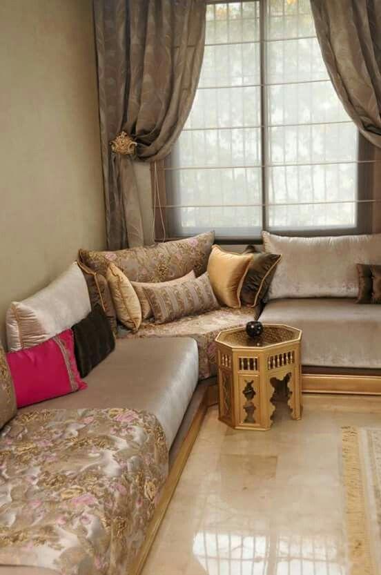 25 best ideas about salon marocain traditionnel on for Decoration gypse marocain