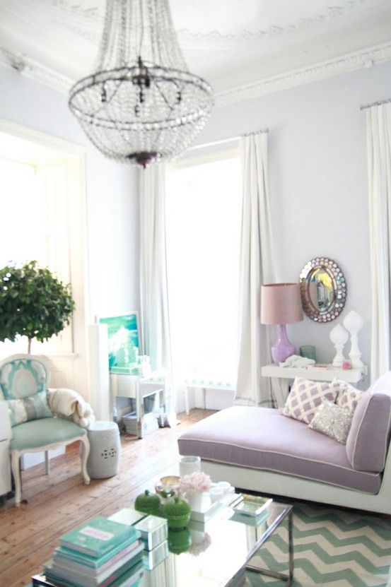 aqua & lilac.... so soft and dreamy. I would love to sit in this room drinking champagne and reading a fabulous book