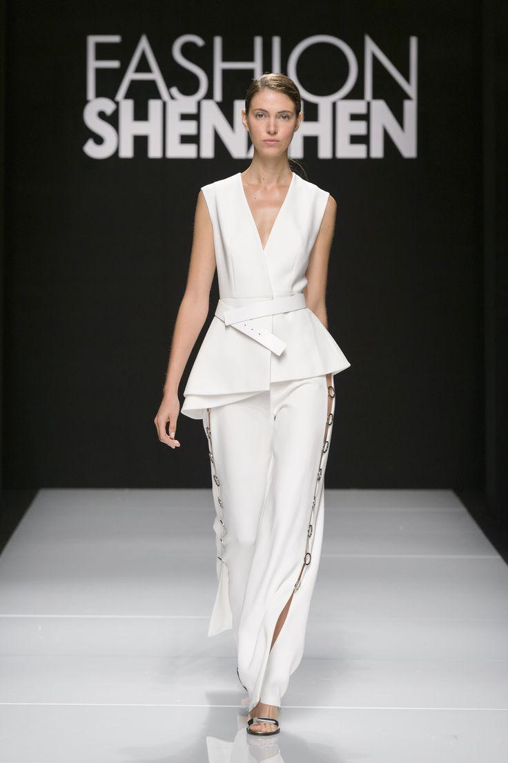 Fashion Shenzhen: moda cinese protagonista a Milano VIDEO - Moda cinese sempre più protagonista nel fashion system internazionale con la presenza dei maggiori stilisti cinesi durante Milano Moda Donna.  - Read full story here: http://www.fashiontimes.it/2016/09/fashion-shenzhen-moda-cinese-protagonista-a-milano-video/
