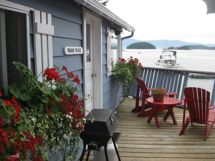 Prawn Palace patio www.fishermansresortmarina.com