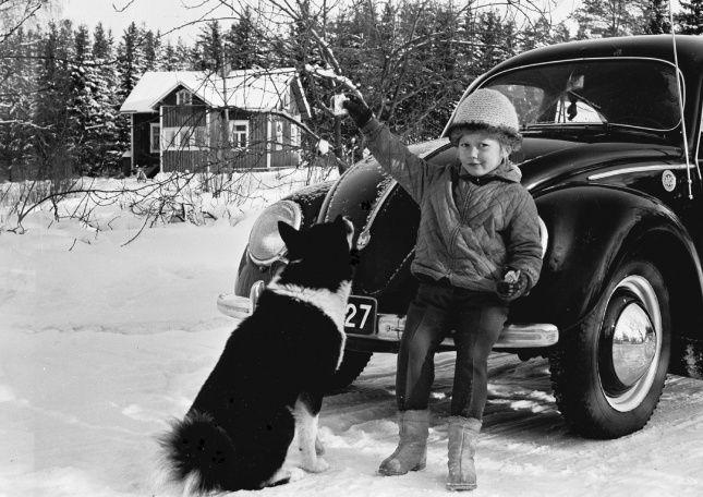 Elämää Toreeninmäellä 1960-luvun puolivälissä. Kuva Jorma Koskenlaakso.