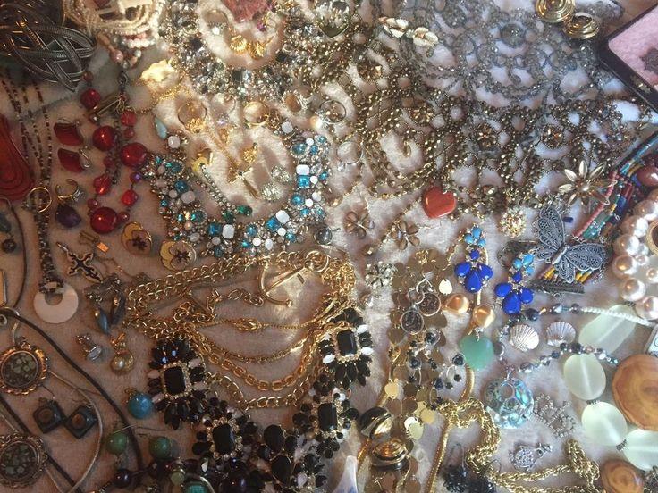 SALE! HUGE Vintage to Now 160+pcs Jewelry Lot Rhinestones NO JUNK!