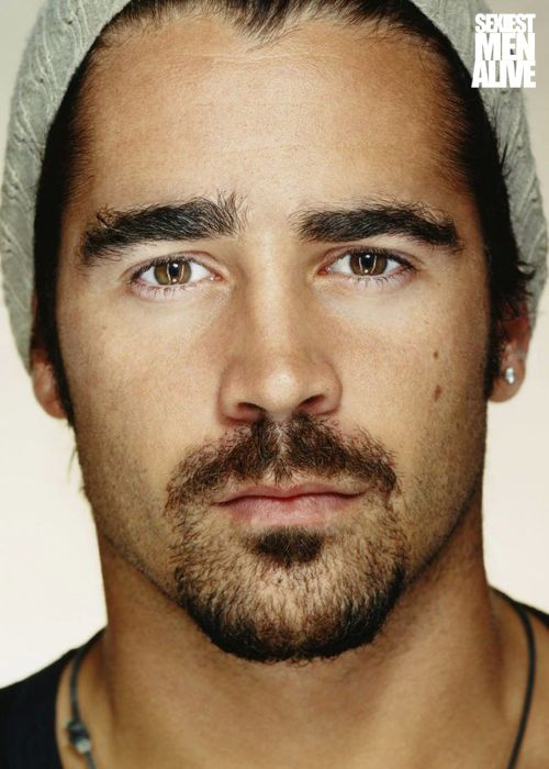 Colin Farrell.. the only acceptable picture i have found of him. Normally not my type but this makes perfection.