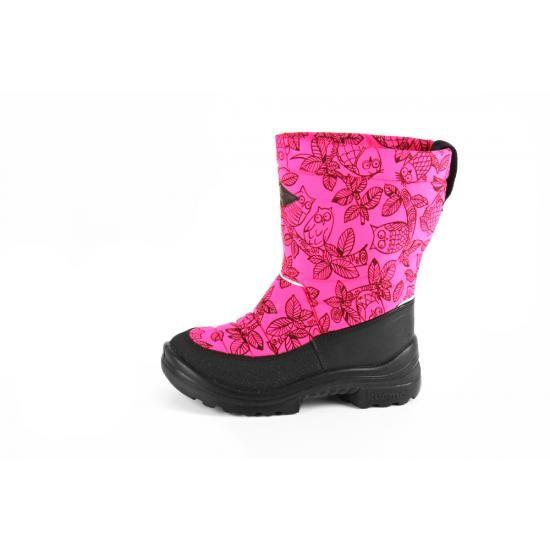 Kuomiokosken Putkivarsi-kengät on suunniteltu nimenomaan lapsen kehittyvää jalkaa ajatellen. Putkivarsi onkin saatavilla useissa pirtsakoissa kuoseissa ja väreissä!