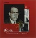 Niels Bohr was een van de grondleggers van de atoomfysica. Hij stond bovendien aan de basis van de meest spraakmakende tak van de 20e eeuwse natuurkunde: de kwantummechanica.
