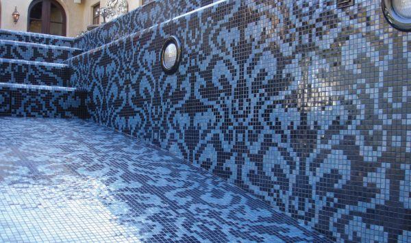 LATICRETE Pool Tile Installation