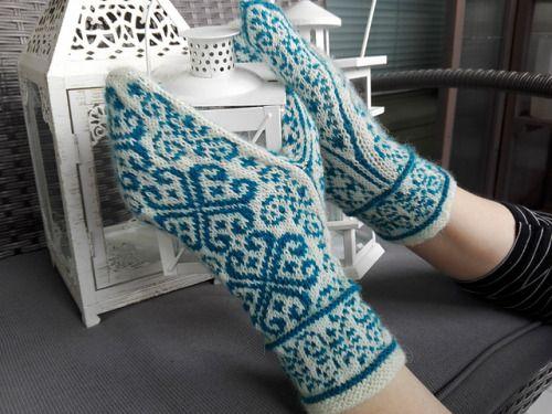 HerttuatarFree knitting pattern by Tiina Kuu.