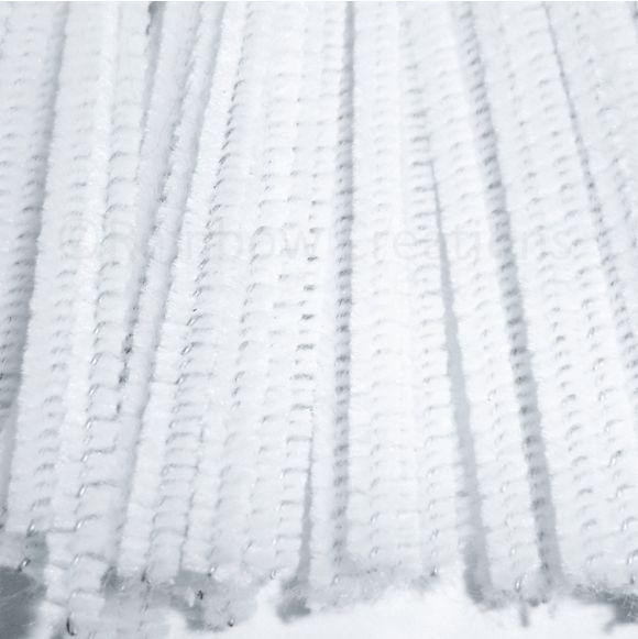 doopsuiker decoratie voor poes geboortekaartje met witte pijpekuisers.