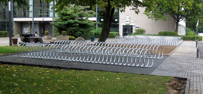 Helmholtz Gymnasium in Bonn, public design,  Fahrradständer, Fahrradanlehner, bicycle stands, Stadtmobiliar, street furniture