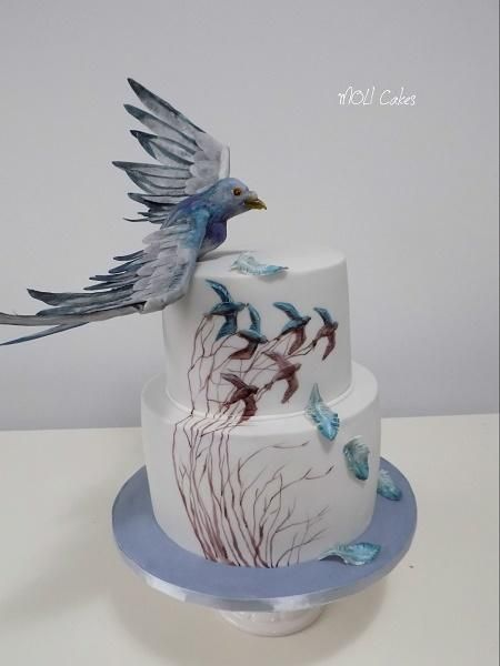 Flying pigeon by MOLI Cakes