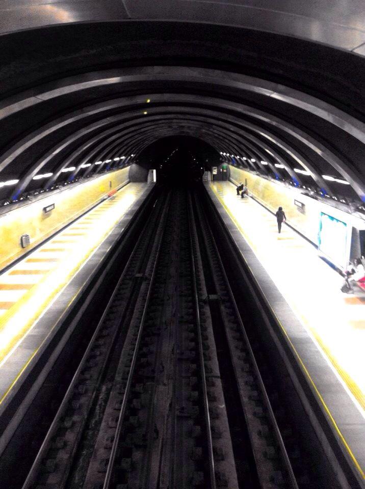 Metro Simón Bolívar