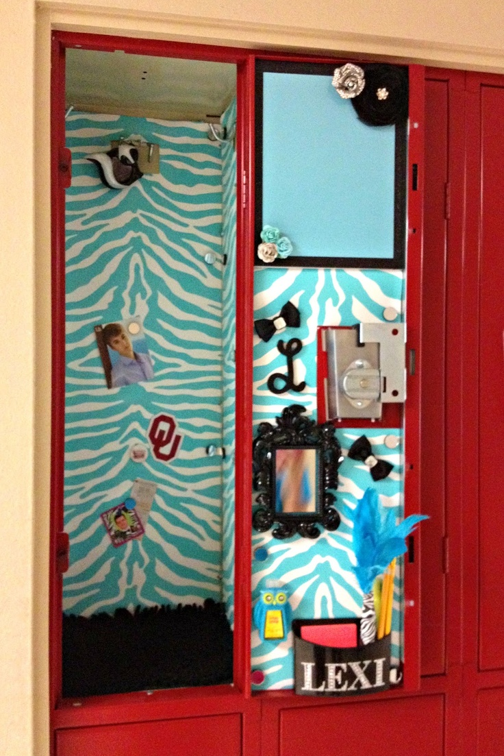 This Oklahoma Girl...  Locker Decoration 101!!  Homecoming cheer locker inspiration for next year.