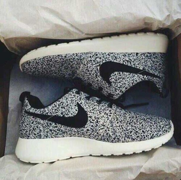 Black and white #runningshoes