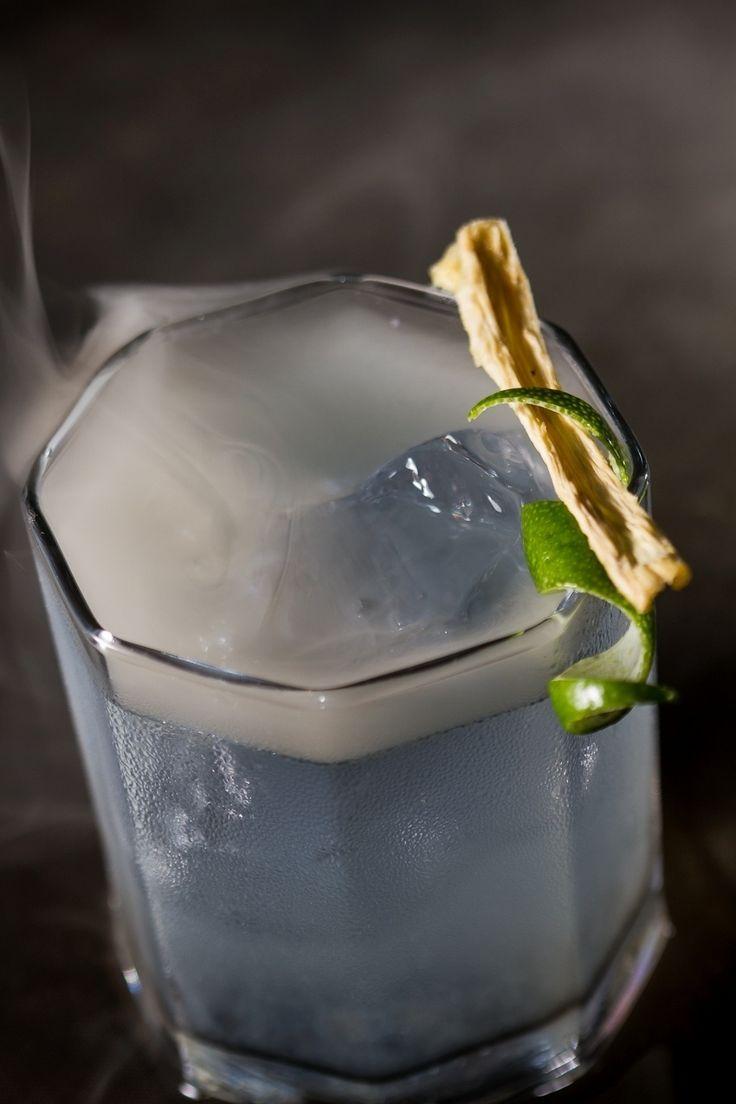 Uísque e tequila fazem uma boa combinação no drinque Smoky Tommaso. Clique na IMAGEM para ver a receita