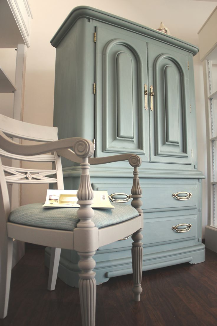 UPCYCLED CABINET WITH ANNIE SLOAN CHALK PAINT DUCK EGG BLUE - BAHRAIN