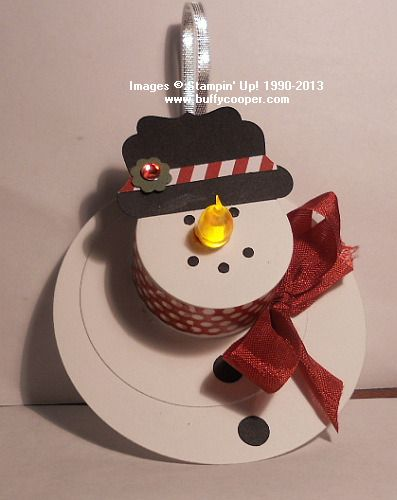 Buffy's version of the Tea Light Snowman ornaments. I like how she wrapped it with the washi tape.