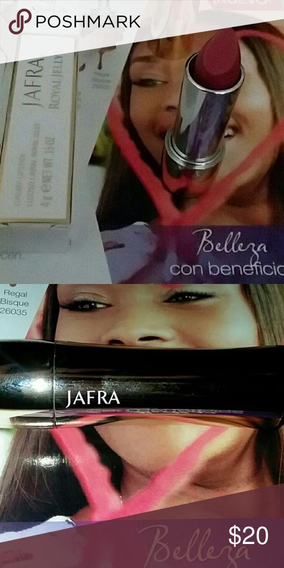 Rose Lipstick | Royal Jelly Jafra royal jelly Vibrant Rose nouveau color Hydrating Lipstick  Formula con pigmentos de alta densidad con Jalea Real que nutre y envuelve tus labios en vivos colores Jafra Makeup Lipstick