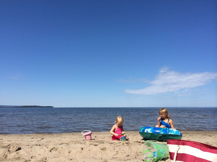 The hot weather is here and it's time to hit the beach. If you're searching for a beach to visit in Alberta, you've got lots of option – but unfortunately, many of the beach…