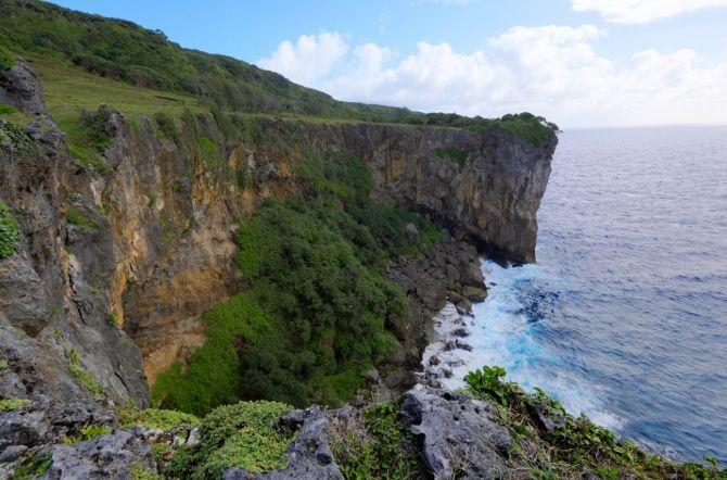 Lakufa'anga Cliffs - Eua, Tonga