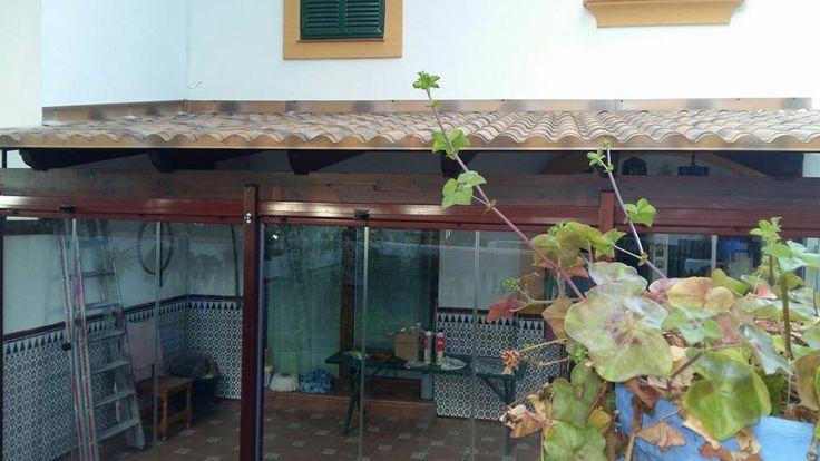 cerramientos integrales para terrazas. Visita nuestra web y pide presupuesto para toda Andalucía.