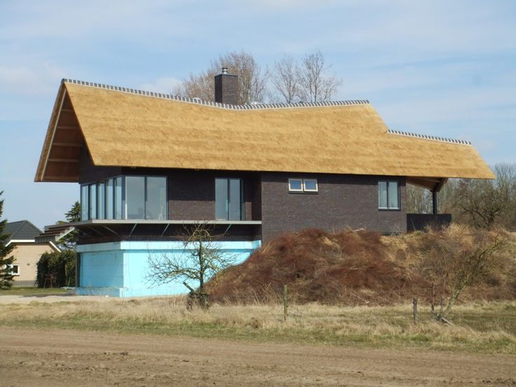 rieten dak woning modern house thatched roof modern