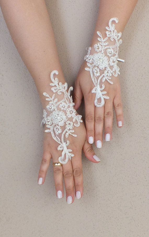 ▲Wedding Gloves ▲ Elegant ivory embroidered with pearls lace bridal gloves French lace wedding gloves ... Soft and delicate Made with love