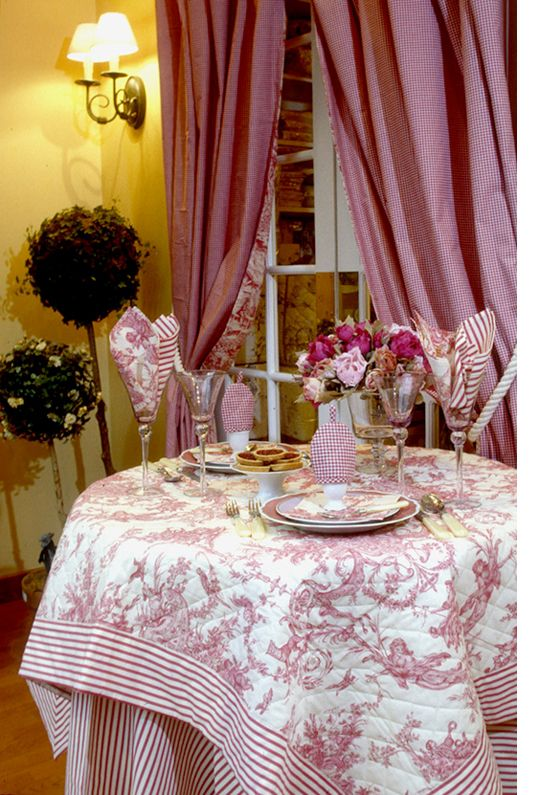 Collection Versailles - Linge de Table    Exquisite Toile de Jouy, original 18th century design, in 5 soft colorways:   Antique Beige, Rose Red, French Blue, Laurel Green, Anthracite.     100% cotton, French Percale.