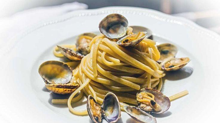 Spaghetti alle vongole veraci ricetta, primo piatto con vongole, ricette di mare