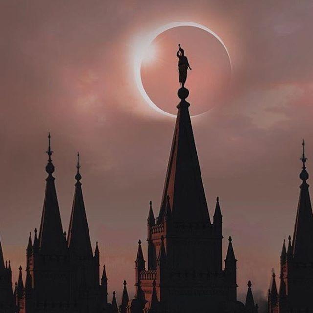 Eclipse behind the SLC temple ❤️❤️ did any of you see the eclipse ? ||#lds #mormon #joesphsmith #heavenlyfather #christian #convert #God #jesus #christ #jesuschrist #gospel #restoredgospel #sin #savior #saviour  #monson #prophet #eyring #uchtdorf #happy #salvation