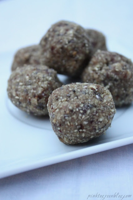 """Raw energy balls"": Raw Energy, Green, Snacks, Pink, Balls Food Healthy Living, Healthy Recipes, Energy Balls, Healthy Food, Salt"