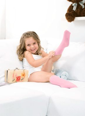 """SmartKnit KIDS TRULY SEAMLESS  Completely free of seams, our patented product is knit like a cocoon, starting from the toe up, providing comfort and relief to children who struggle with """"bumps & lumps"""" in their socks."""