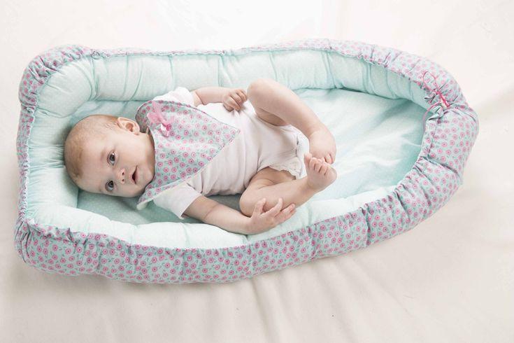 Baby Cocon Nestje van HOXTONkids. Dit babynestje is een echte musthave. Je baby kan er heerlijk en veilig in slapen in de box, in de kinderwagen of ...