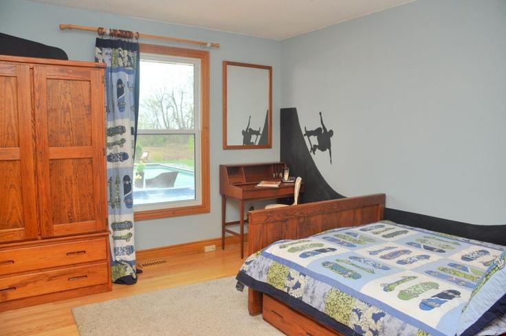 119 best images about tylor room on pinterest shelves for Boys skateboard bedroom ideas