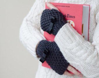 Fingerless Gloves Knitting Pattern Nz : 1000+ ideas about Fingerless Gloves Knitted on Pinterest ...