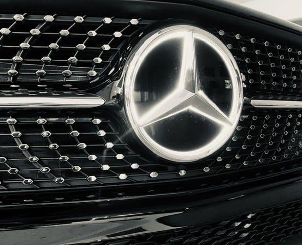 Light Up Your Life Mercedesbenzbend Mercedesbenz Letsstartsomethinggreat Learn More About Mercedes Benz Of Bend Https Mercedes Benz Benz Car Dealership