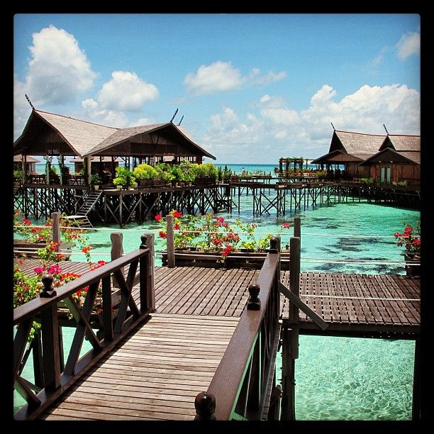 Kapalai Resort - Sipadan #scuba #divingtheworld #ilovediving #sea #blue #nature  #trip #sipadan