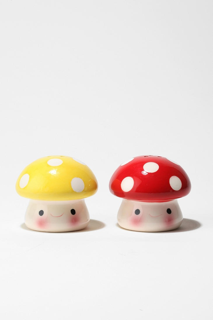 Mushroom Salt and Pepper Shaker - Set of 2 for $10 They're are soooo cute even though I'm sure I will never use them if I ever get them XD