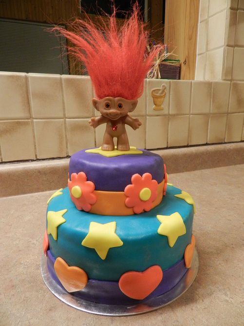90s Party Troll Cake