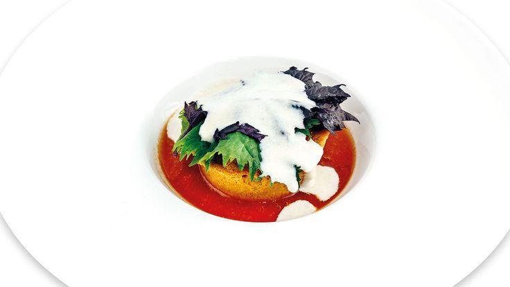 """""""Muffin di cipolla rossa di Cannara, gelato al gorgonzola e confettura di pomodoro"""" di Simone Ciccotti, chef dell'Antica Trattoria San Lorenzo - Perugia (PG)  #food #vegan #lamadia"""