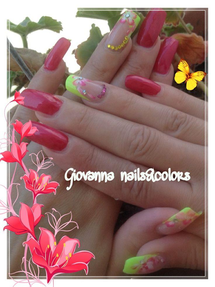 Ricostruzione e copertura unghie, presso Giovanna Nails&Colors, Castel Volturno, Caserta.