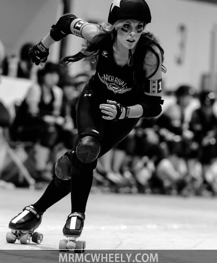 Downtown Dallis in Atom Gear Luigino roller derby  arch rival roller girls