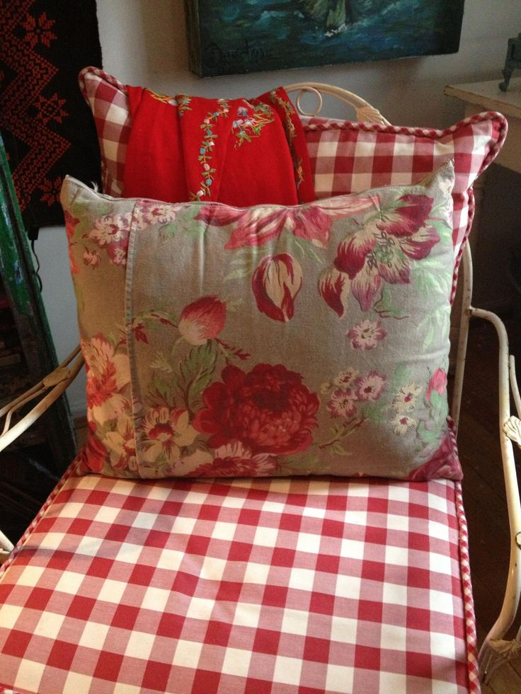Reupholstered this garden chair And made the pillow from a skirt #toilepatternsf… – Toile Patterns French Country