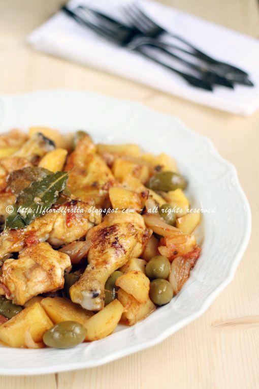 Pollo al forno con limone, patate e olive verdi