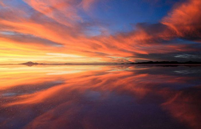 Загадочное озеро Салар де Уюни