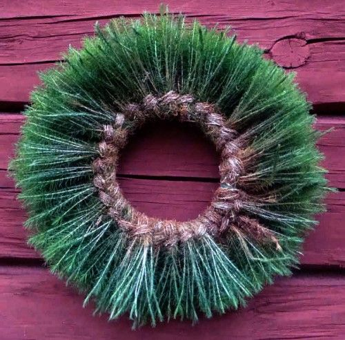 Swedish wreath in natural material as maidenhair | Gör din egen krans i björnmossa! Hemslöjdskonsulenterna i Västmanlands län lär dig hur. (Foto www.slojdnytt.org)